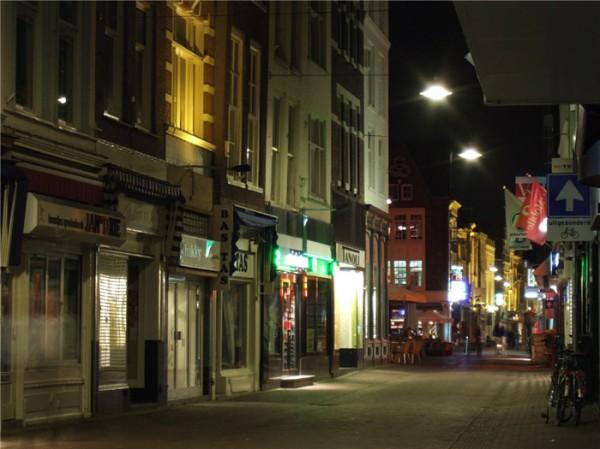 voorstraat-winkelstraten-dordrecht-1(p_location,615)(c_0)