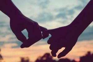 hold-my-hand-love-sunset-Favim.com-659297