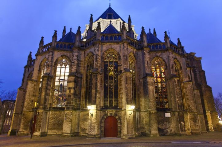 Grote Kerk Dordrecht Avond-800x533